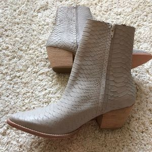 Matisse: style Caty Cowgirl booties